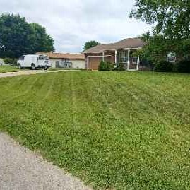 Lawn Mowing Contractor in Middlebury, IN, 46552