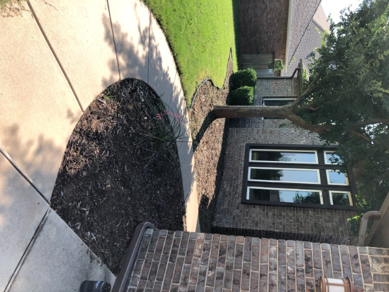 Lawn Mowing Contractor in Midwest City, OK, 73110