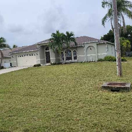 Lawn Mowing Contractor in Cape Coral, FL, 33909