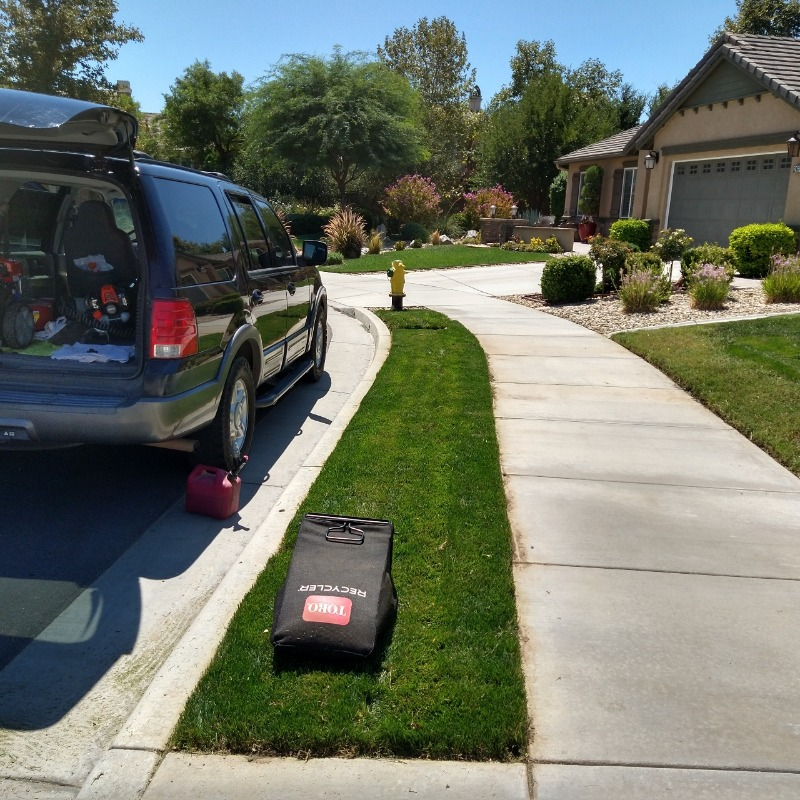 Lawn Mowing Contractor in Lake Elsinore, CA, 92532