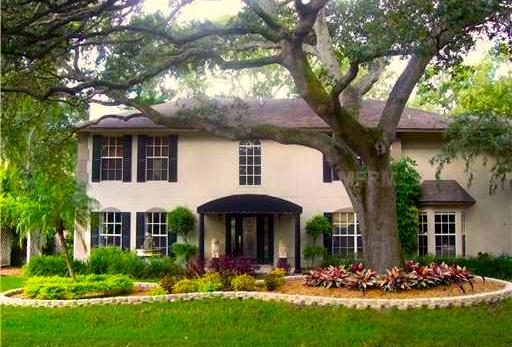 Order Lawn Care in Tampa, FL, 33611