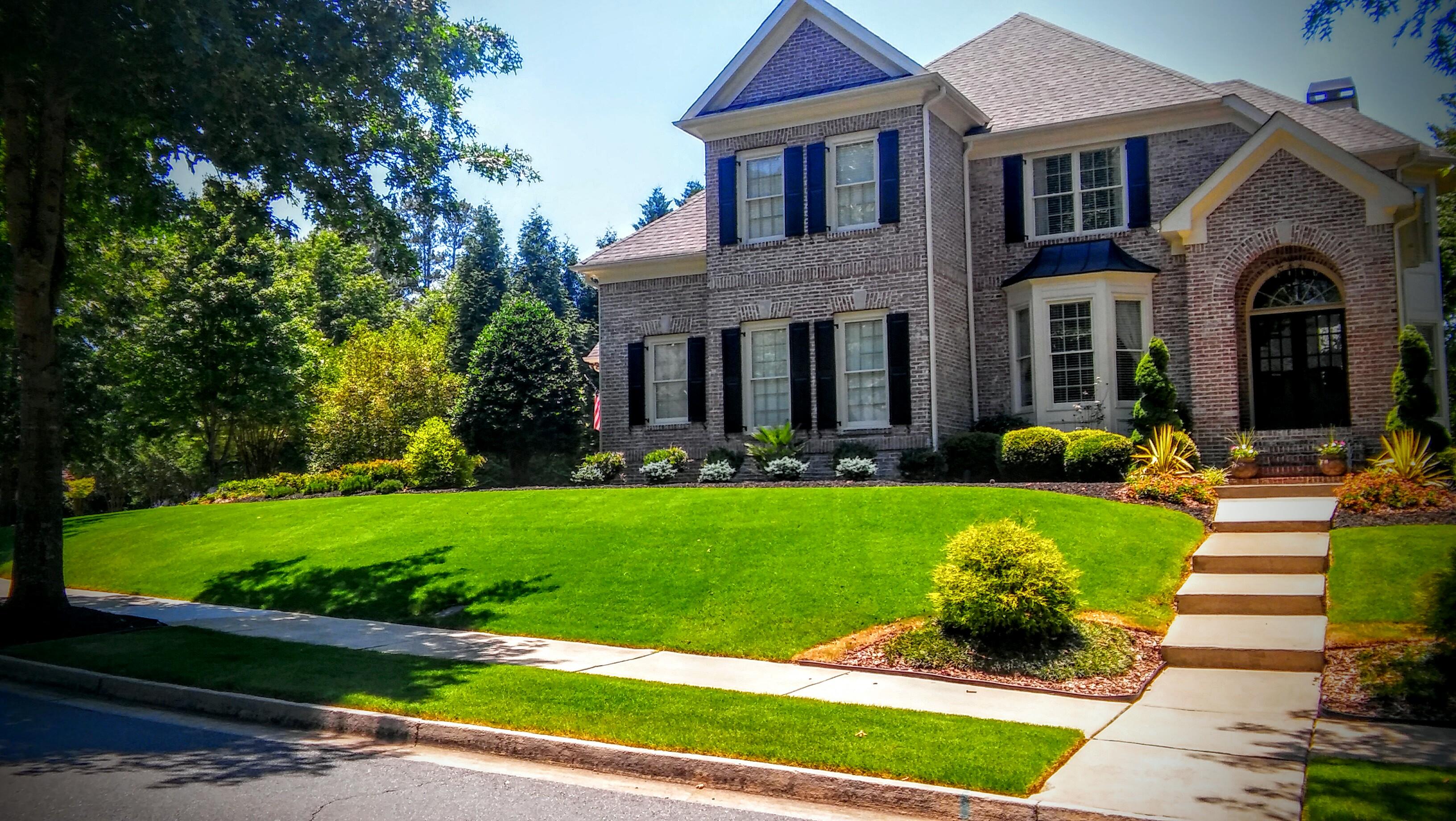 Order Lawn Care in Buford, GA, 30518