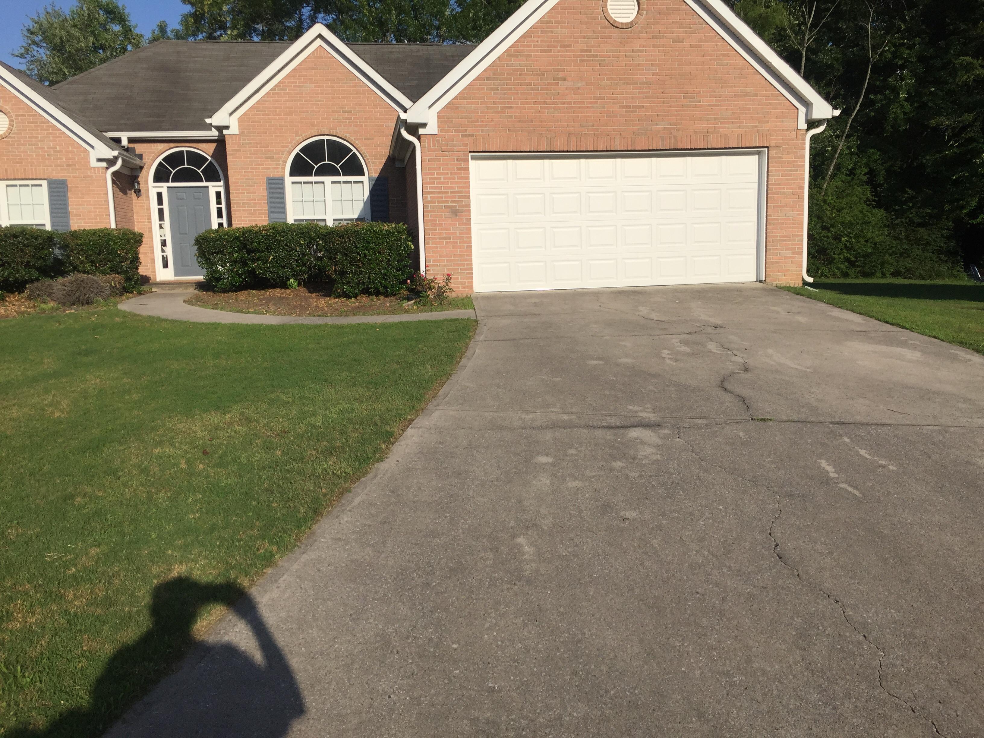 Order Lawn Care in Atlanta, GA, 30310