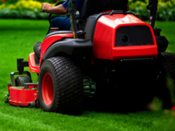 Order Lawn Care in Bradenton, FL, 34207