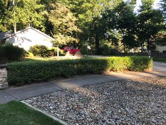 Order Lawn Care in Cleveland, OH, 44135