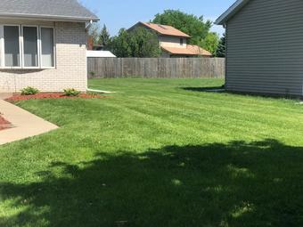 Order Lawn Care in Joliet , IL, 60435