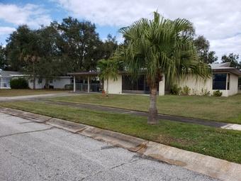 Order Lawn Care in Melbourne, FL, 32935