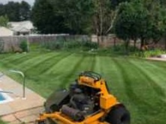 Order Lawn Care in Dundee, FL, 33838