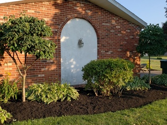 Order Lawn Care in Akron, OH, 44306