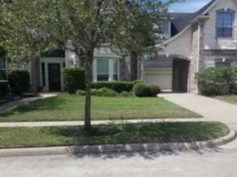 Order Lawn Care in Missouri City, TX, 77489