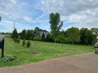 Order Lawn Care in Nashville, TN, 37066