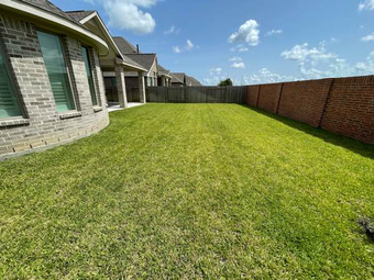 Order Lawn Care in Houston, TX, 77017