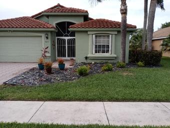 Order Lawn Care in Lake Worth, FL, 33462