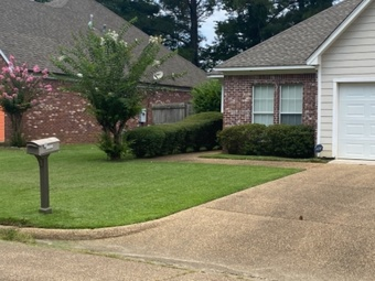 Order Lawn Care in Jackson, MS, 39204