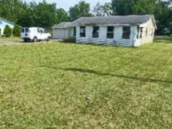 Order Lawn Care in Middlebury, IN, 46552