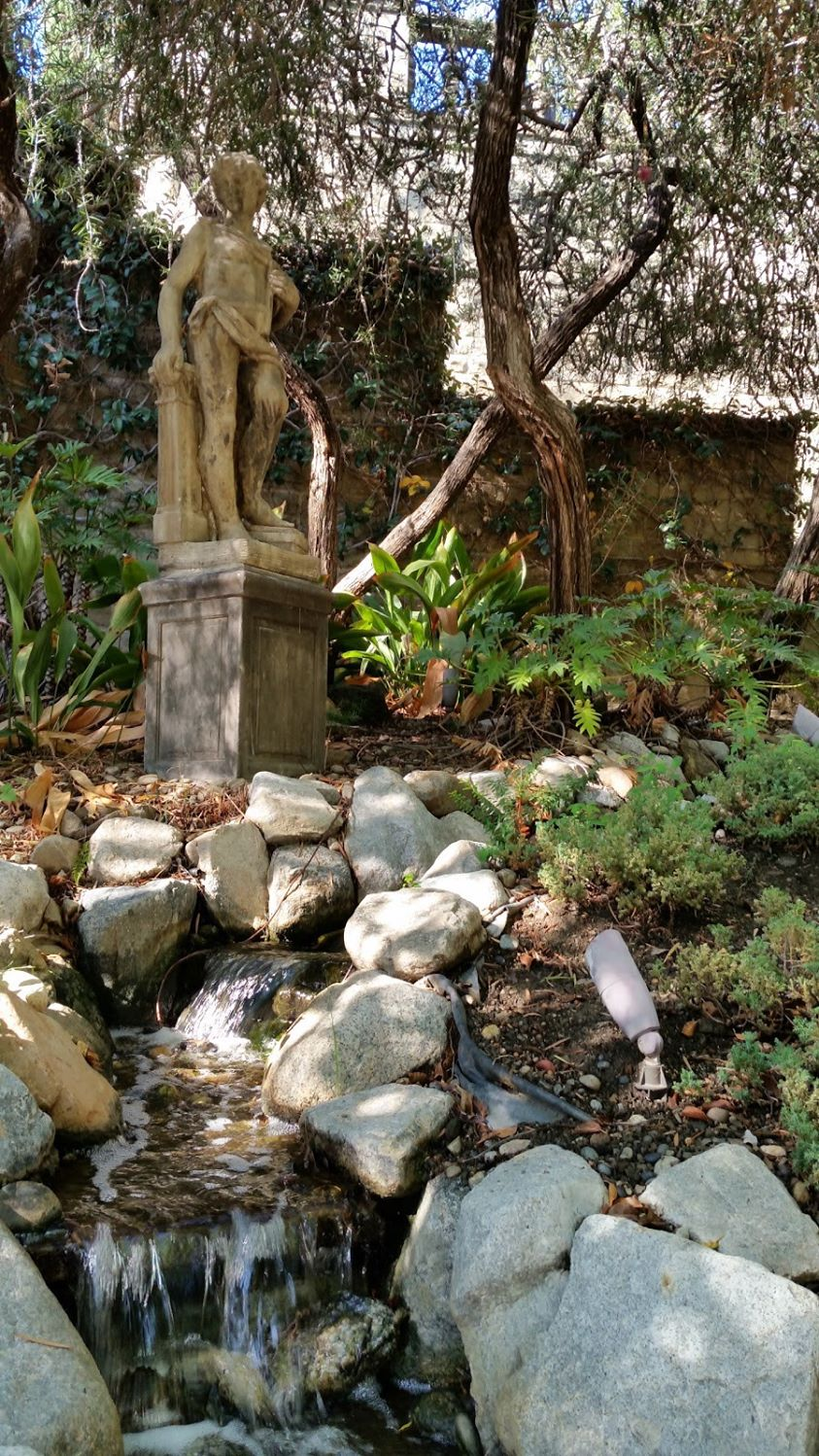 local-lawn-and-landscape-maintenance-services-near-me-in-Hollywood-CA