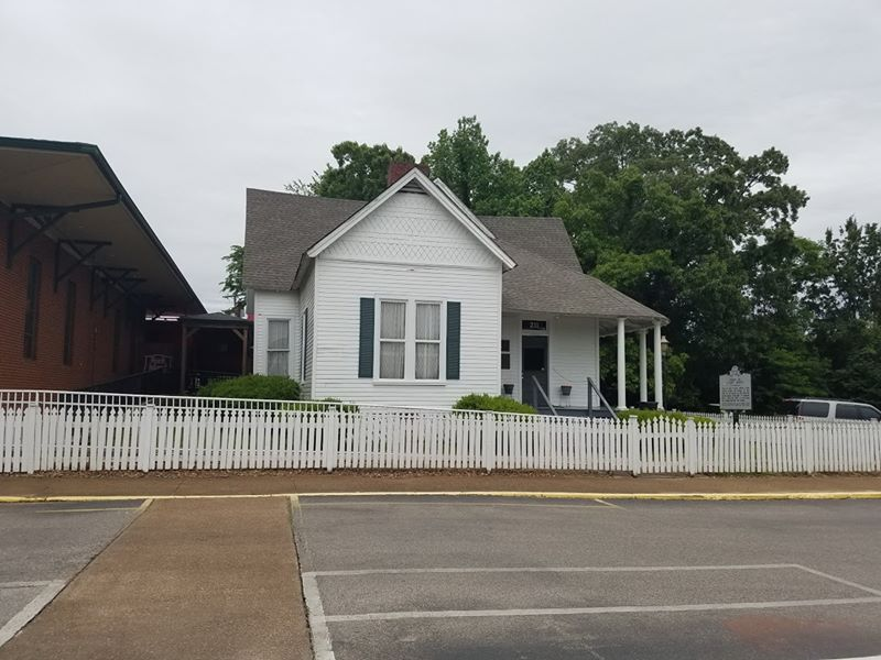 the-yard-cutting-businesses-in-Jackson-TN