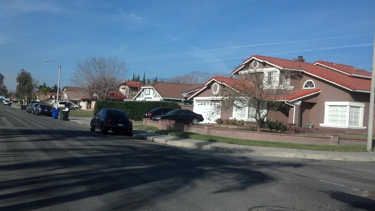 local-lawn-and-landscape-maintenance-services-near-me-in-Rialto-CA