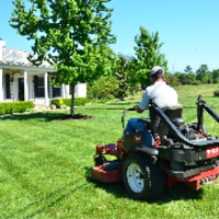 residential-lawn-cutting-businesses-in-Rochester-NY