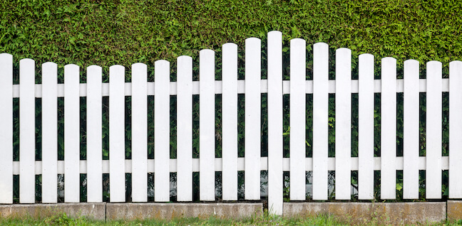 Fines for a fence that is not up to homeowners association regulations