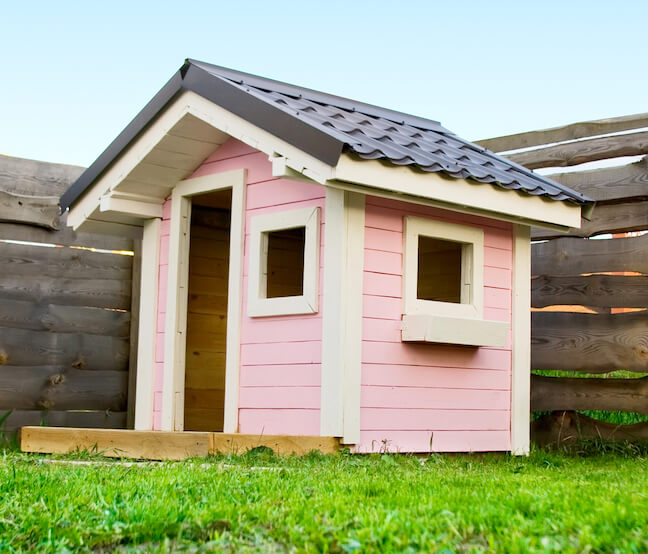 HOA says no to playhouses that are pink