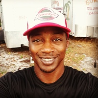 Local Lawn care service near me in Deerfield Beach, FL, 33432