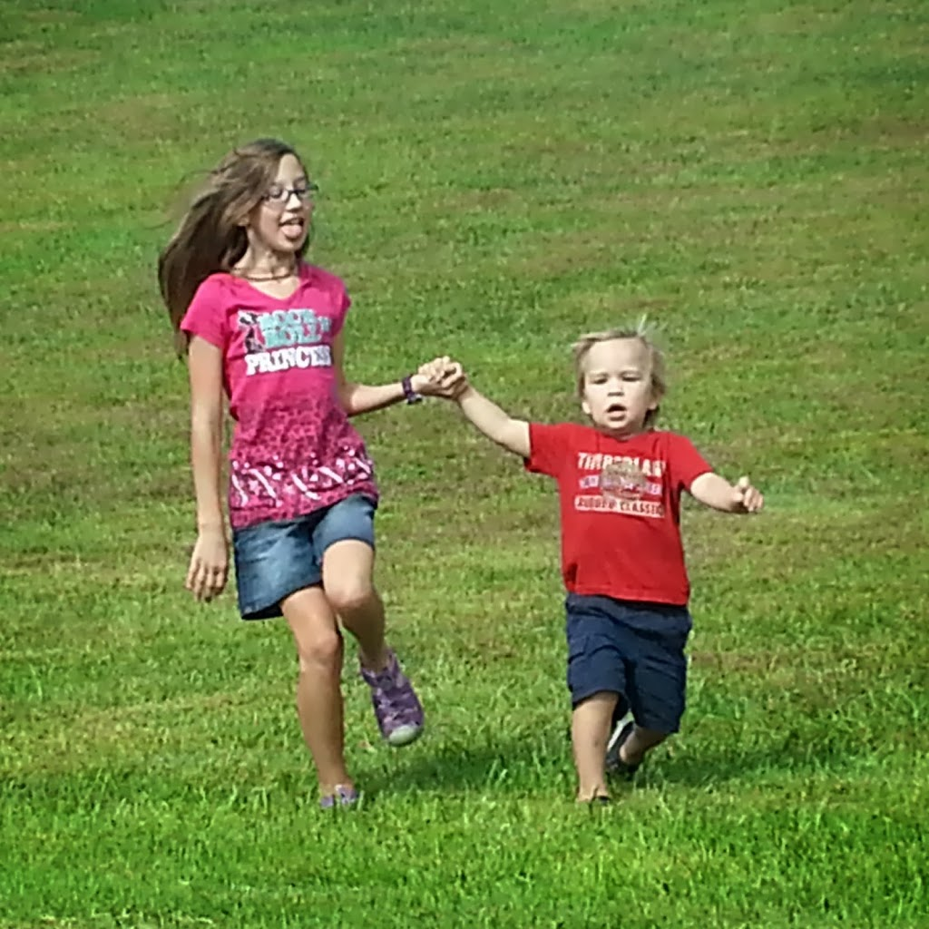 kids-stretching-their-legs-in-tennessee