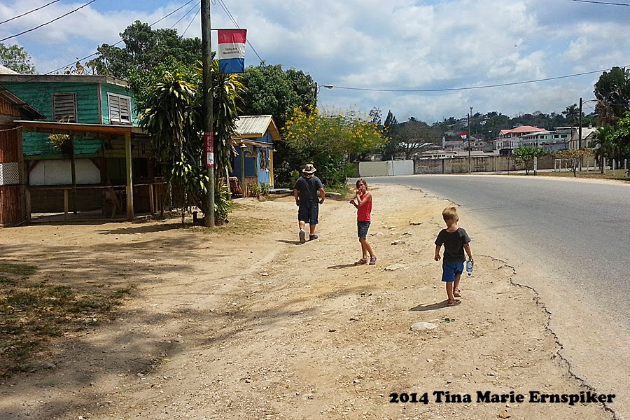 small-town-belize-travel