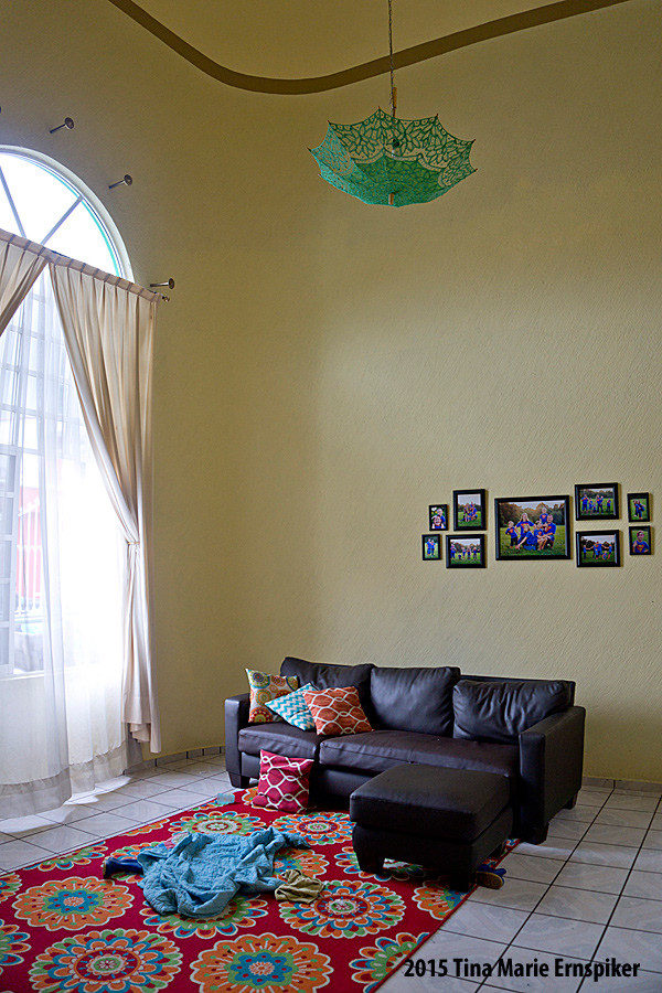 living-room-in-mexican-home