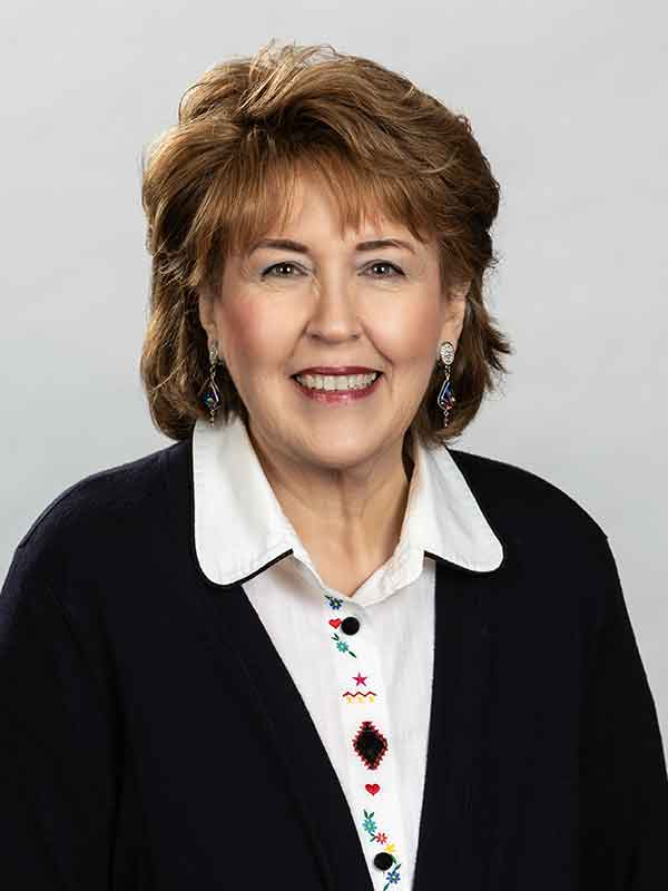 Deborah Davis : Staff Organist/Pianist