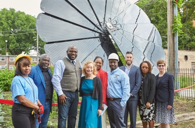Smartflower Solar system unveiled in south Chicago | Groundswell