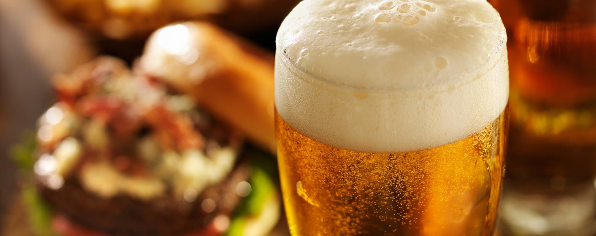Beerwithburgerbackground1914x760