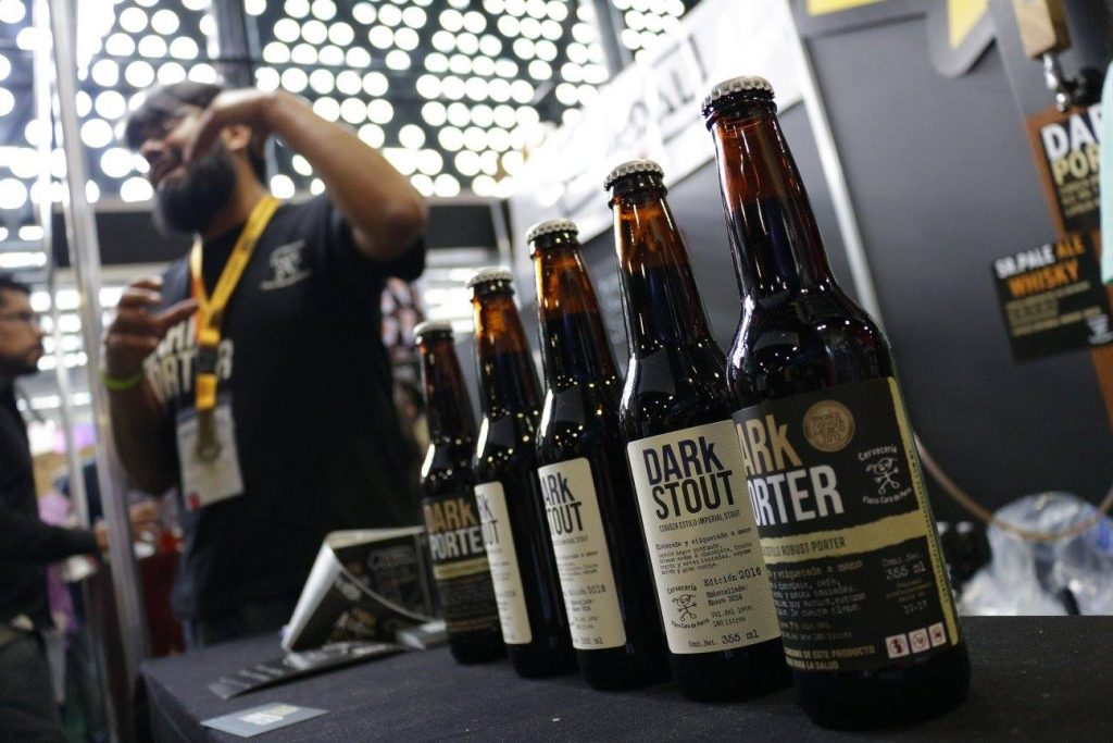 Flaco Cara de Perro DARk Porter and DARk Stout // Photo courtesy of Cerveza Mexico