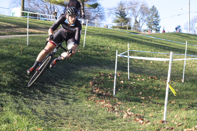 Racer navigate sharp turns on Minnesota's cyclocross courses // Photo by Jeff Frane