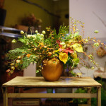How to make a foraged centerpiece without leaving your backyard