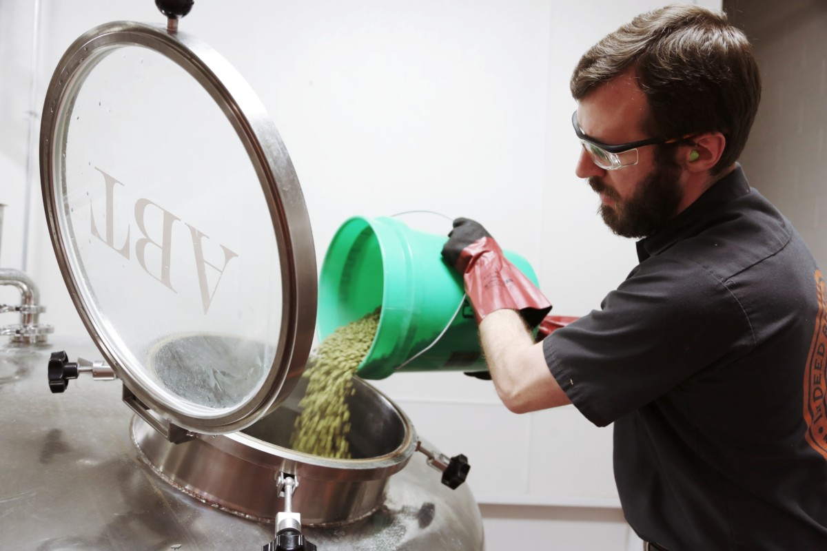 Indeed Brewing pulls homebrew kits from Northern Brewer's