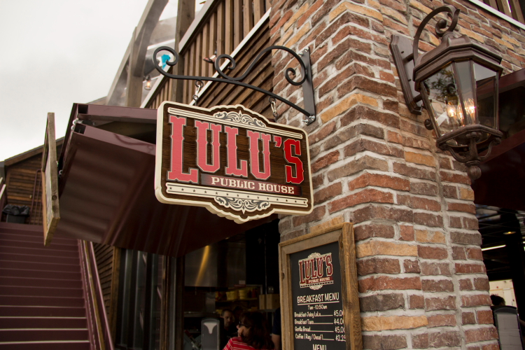 LuLu's Public House, Minnesota State Fair 2014 // Photo by Brian Kaufenberg
