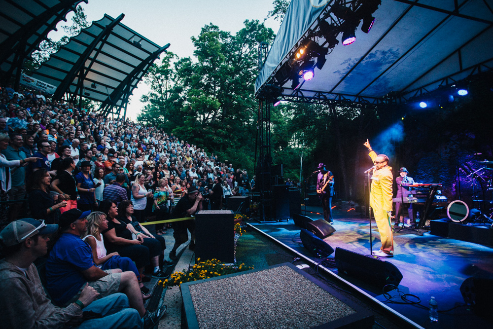 Morris Day and the Time perform in front a packed crowd at the Minnesota Zoo's amphitheater // Photo by Emmet Kowler, MPR