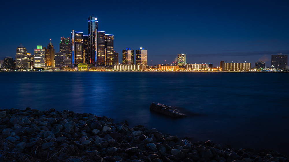 "Detroit's skyline // Photo by Mike Boening Photography, <a href=""https://www.flickr.com/photos/memoriesbymike/16148951265/in/album-72157667329216910/"" target=""_blank"" rel=""noopener"">Flickr</a>"