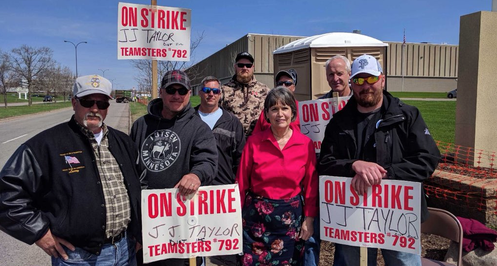 Local Teamster 792 strikers outside of J.J. Taylor in NE Minneapolis, Minnesota // Photo via Local Teamsters 792 Twitter