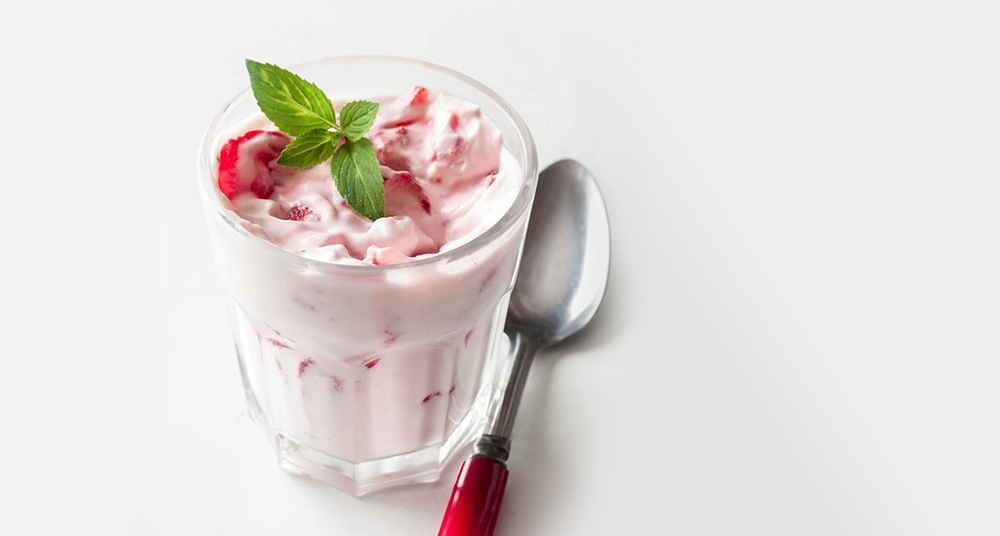 Strawberries and rum cream // Photo by Mette Nielsen