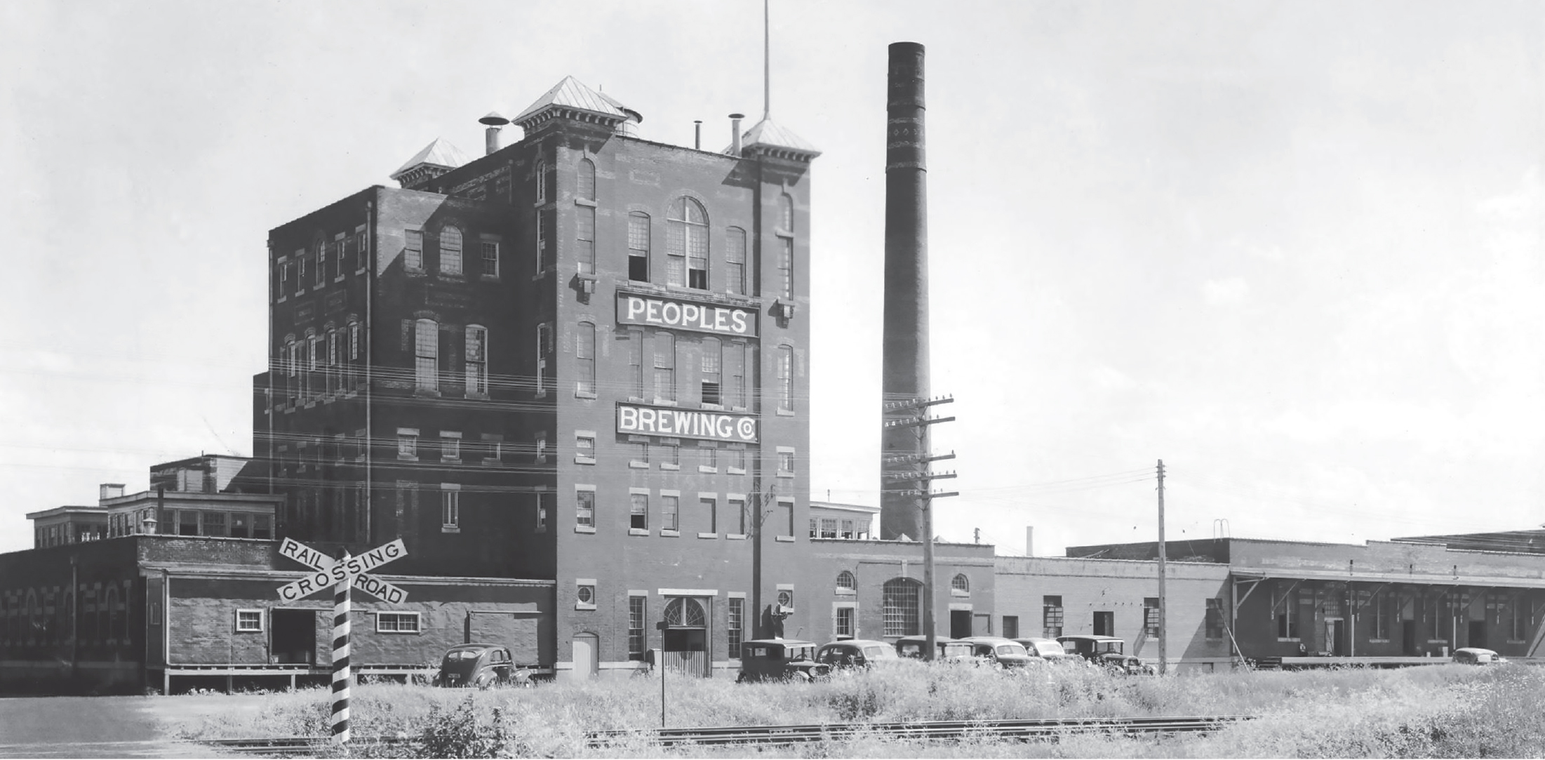 "People's Brewing Co circa 1933 // Photo via UMN Martin Library, from the book ""Naturally Brewed, Naturally Better: The Historic Breweries of Duluth & Superior"" (Zenith City Press)"