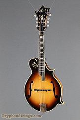 C. 1975 Aria AM-700