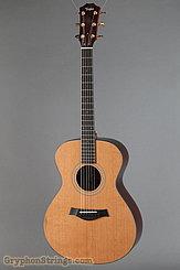 Taylor Guitar Custom GC, Cedar/Rosewood NEW