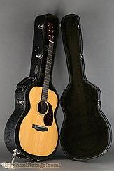 2015 Martin Guitar 000-18 Image 30