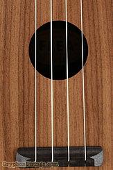Fluke Ukulele Flea M40, Walnut, Concert NEW Image 11
