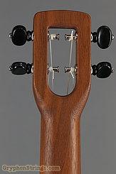 Fluke Ukulele Flea M40, Walnut, Concert NEW Image 15