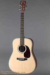 Martin Guitar HD-28 NEW