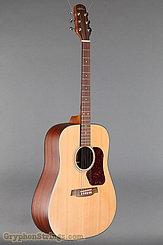 2007 Walden Guitar D-550 Image 2