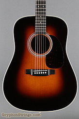 Martin Guitar D-28 Sunburst (2017) NEW Image 10